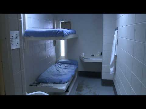 Acting sheriff gives tour of Milwaukee County Jail
