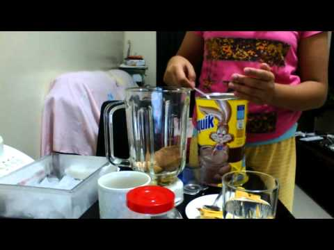 How to make a Banana with NESQUIK shake! EASY!!!!