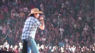 Jason Aldean - She's Country Live in Concert NC (HD)