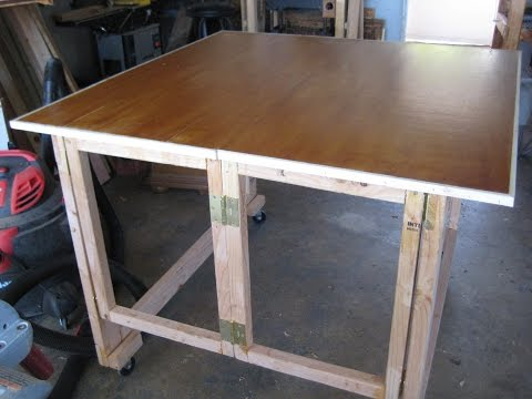 Resizable assembly table that can be totally folded away