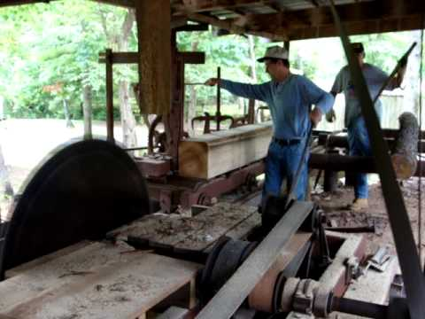 Frick saw mill powered by 2 stroke diesel