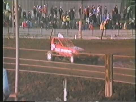1982 Long Eaton Brisca F1 Stockcars Xmas Race 2.