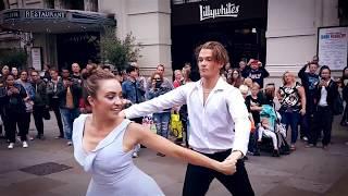 Australian Couple Bring London To A Standstill | Mako Flash Mob Proposal