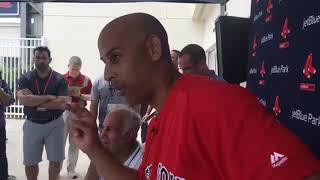 Alex Cora glances at watch when Red Sox-Yankees