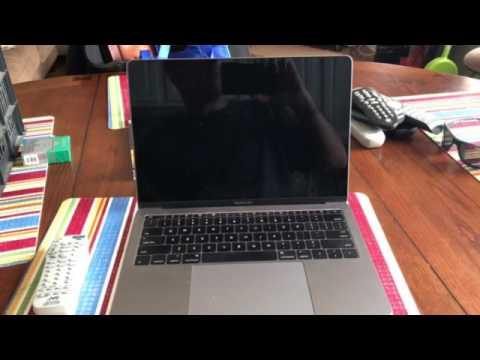 MacBook Pro Late 2016 flickering screen issue