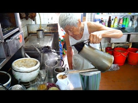 SINGAPORE STREET FOOD- Delicious HAWKER Food- Katong Laksa, Singaporean breakfast and MORE