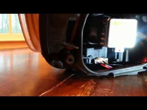 How to replace HID xenon headlamp on an Audi Q7