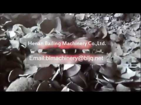 Carbonize coconut shell with charcoal furnace