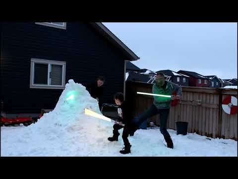 Lightsabers vs Snowman 2018