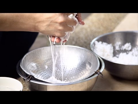 How to Make Coconut Milk  - Hot Thai Kitchen!