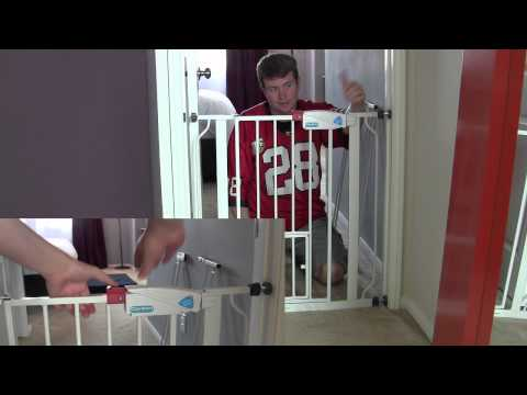 Carlson Extra Wide Dog Pet Gate Review & Demo - Perfect gate for pets!