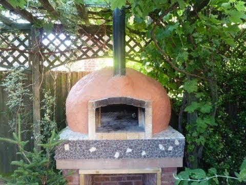 Build a Pompeii Pizza Oven in your Garden