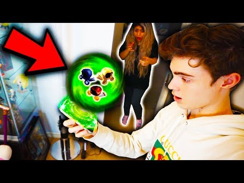 HACKING MY GIRLFRIENDS ROBLOX ACCOUNT! *STEALING HER DOMINUS*