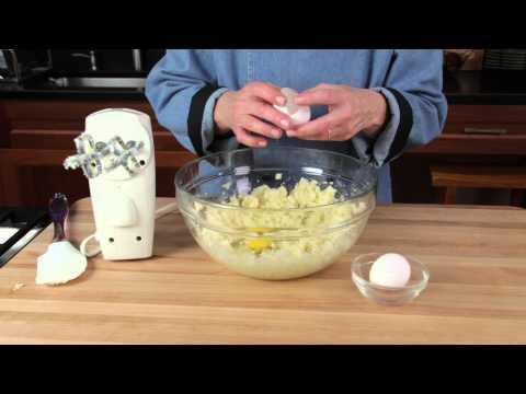 Applesauce Almond Muffins Recipe