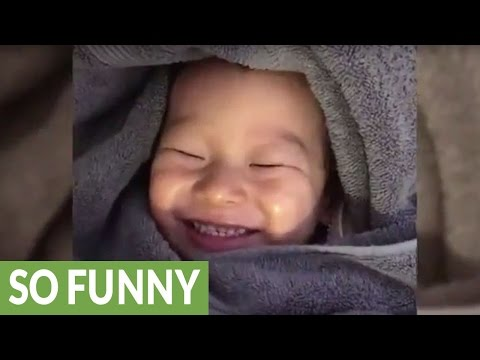 Toddler cracks himself up after passing gas