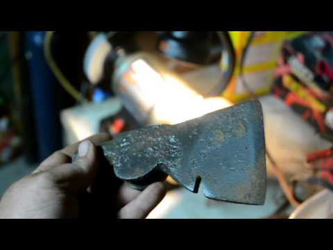 Rust Removal With Electrolysis #2 Hatchet Horseshoe Anchor Magnet Fishing And Detecting Finds