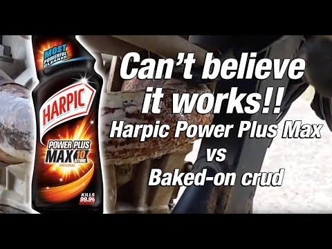 Cleaning FMF header pipe with Harpic Max Strength Bleach