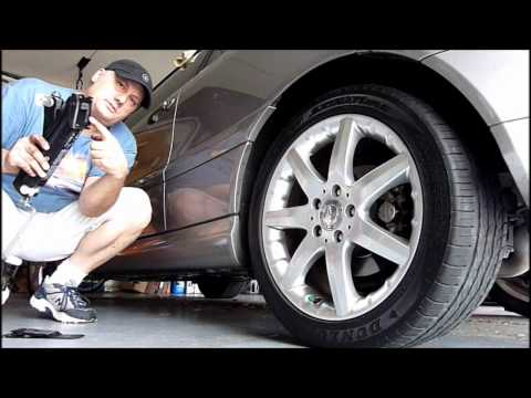 How to use the jack on a Mercedes automobile
