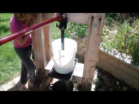 DIY Cider Press   first pressings of 2015