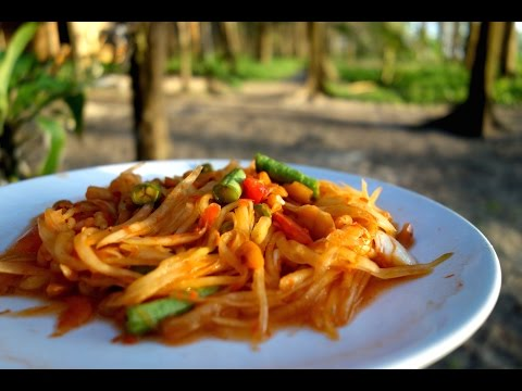 Green papaya salad / Authentic Thai recipe from a mobile, side car restaurant / Som Tum