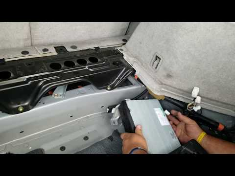 How to Remove Navigation Drive Unit from Lexus RX330  2005 for Repair.