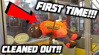 CLEANED OUT THE BIG CLAW MACHINE...WON SO MUCH!! NEVER DONE BEFORE!!   ClawBoss