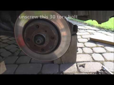 How to replace brake discs - Aygo, Peugeot 107, Citroen C1