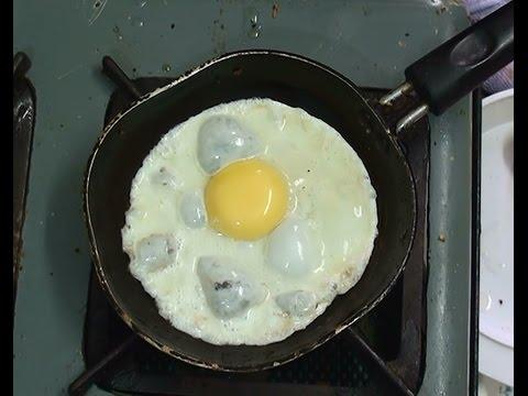 Simple Half Boiled Egg ......(omelette).... !!!...@Rushisbiz.com