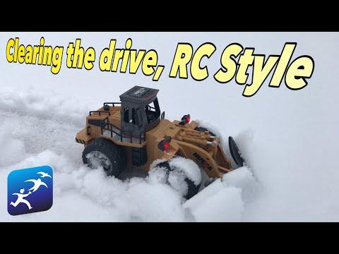 Huina Toys RC Snowplow, It actually works! Kinda…