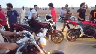Heavy Bikes race in 2 darya sea view karachi