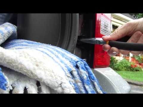 How to replace brake/turn lights in a Jeep Patriot 2012