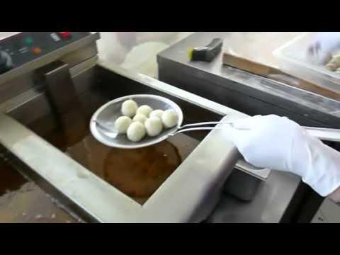 Bánh Cam (Sesame Balls)