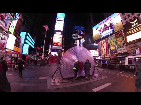 Walking around Time Square New York 2018 (night time)
