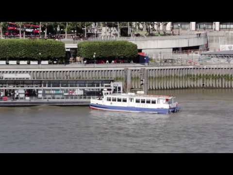 From DoubleTree Docklands to Canary Wharf Pier by Ferry