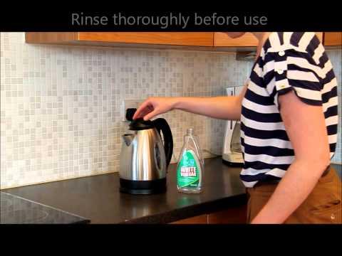 Descaling a kettle using natural White Vinegar