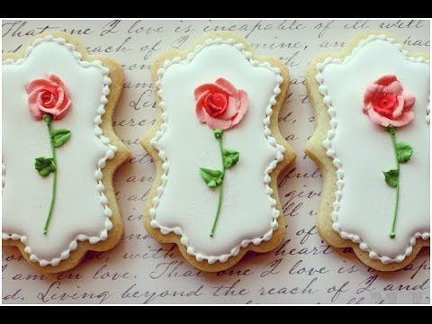 Tiny icing roses