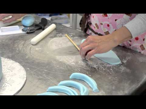 How to Make Fondant Swags