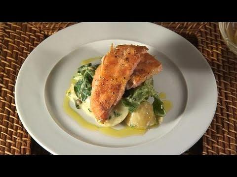 How To Prepare Seared Salmon Salad
