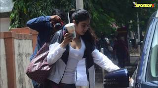 Jhanvi Kapoor hiding her face from shutterbugs while leaving the gym with Mystery Man   SpotboyE
