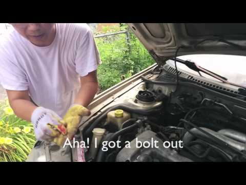 Replacing an alternator of 1995 Mazda Protege