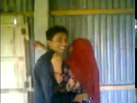 Xxx Mp4 Muslim Hijab Girl Kissing Hindu Boyfriend Feel The Love 3gp Sex