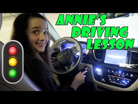 Annie's Driving Lesson 🚦 (WK 363.5) | Bratayley
