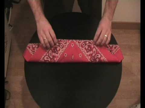 How to fold a Bandana.
