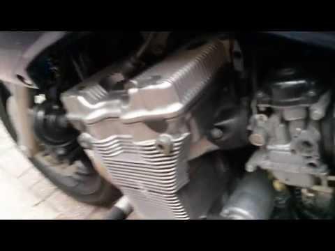 Suzuki Bandit carb problem dirty carburetor or water in petrol