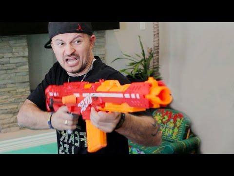 NERF WAR: FBI Shootout!
