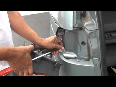 Honda Odyssey Rear Light Assembly Replacement