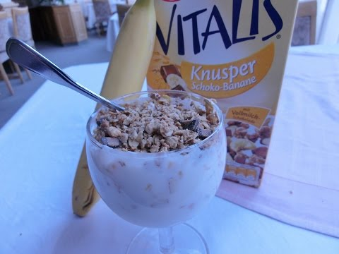 Quark (Thick Yogurt) and Müsli-Creamy and Full of Protein