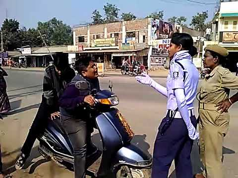 Funney moment in Balangir,At Traffic police checking timi.