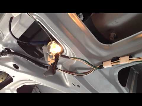 How to replace license plate light bulb on TOYOTA SIENNA Model 2004 to 2010