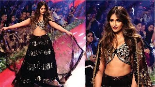 Ileana D'Cruz Finale Walk Of Bombay Times Fashion Week 2019 | Ileana D'Cruz Ramp Walk | Mayapuri Cut